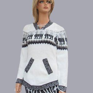 White alpaca wool pullover made in Peru