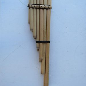 Andes tuned panflutes made by Urbano Huanca