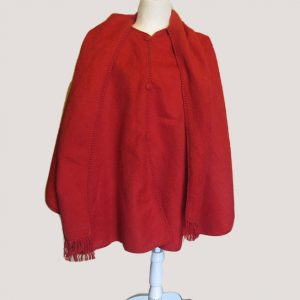 Genuine alpaca wool red made by Ccahuantico