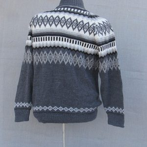 Alpaca clothing, alpaca wool sweater made in Peru, Andes Store